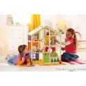 maison de poupée en bois 4 saisons avec ses meubles Hape