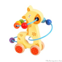 Girafe à pousser avec un labyrinthe de perles s