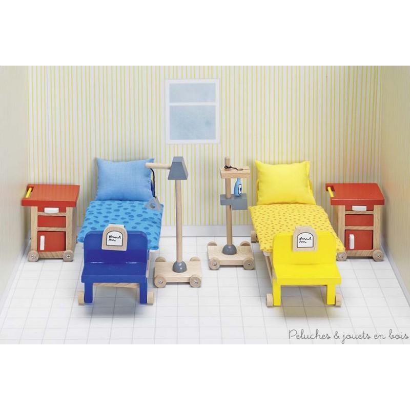 Meubles pour maison de poup e chambre d 39 h pital peluches for Chambre d hopital