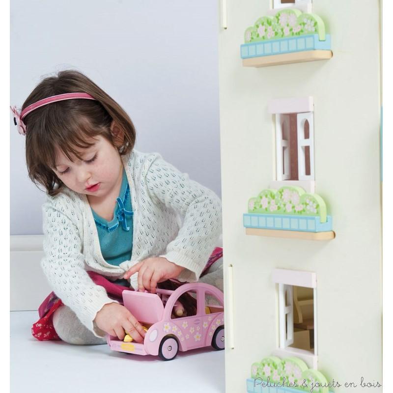 le toy van la voiture de sophie peluches et jouets en bois. Black Bedroom Furniture Sets. Home Design Ideas