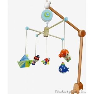Ce Mobile musical thème pirate de la marque Le Coin des enfants, sera idéal pour éveiller bébé en douceur. C'est aussi une idée de cadeau de naissance pour décorer la chambre de bébé. A partir de 0m+