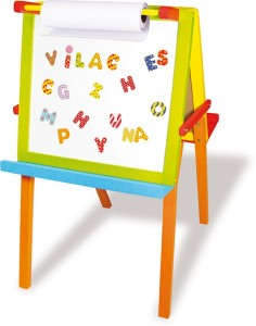 Pour apprendre à lire et à écrire en s'amusant un enfant appréciera particulièrement un tableau magnétique en bois