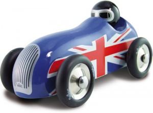 Vilac propose aussi ses fameuses voitures de course en bois verni