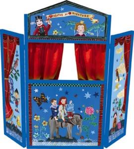 Les jeux du théâtre & marionnettes en bois sont depuis toujours proposées aux enfants, en particulier pour jouer à raconter des histoires et jouer autour des fables et des comptines les plus célébres, le charme de ces objets et de ces moments de partage familiaux restera présent dans la mémoire de tous !