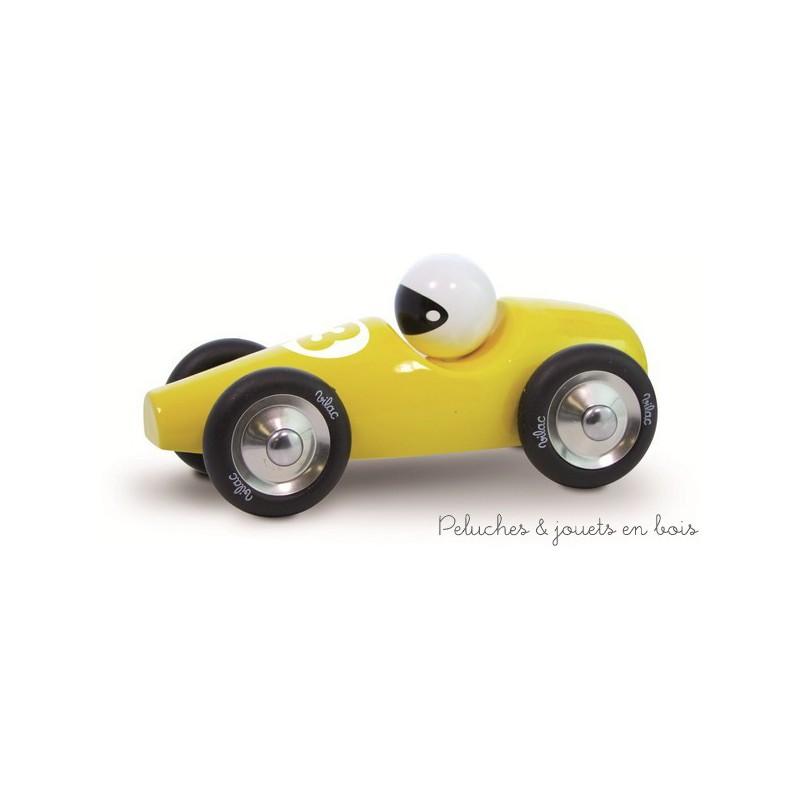 """Une voiture de course Grand Modèle fabriquée en France en hêtre massif laqué jaune.Une  """"petite voiture en bois"""" signée Vilac. A partir de 2 ans+"""