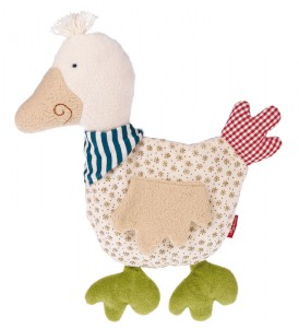 Cet adorable coussin bouillotte canard bio  au design chic et au look joyeux dans le style patchwork est en même temps 100% coton  naturel (culture biologique contrôlée). Taille 28 cm. Matériel de dessus : coton de culture biologique. Bourrage: laine de mouton Lavable à 30 °C