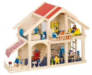 Maison de poupées en bois avec véranda de la marque Goki