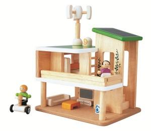 Une maison de poupée au coeur de préoccupations très actuelles : la Maison écologique signée PlanToys