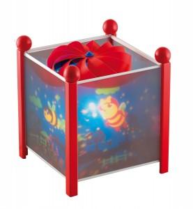 Lanterne magique Trousselier, pour charmer et endormir bébé tout en le rassurant en douceur !