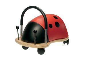 se déplacer avec un porteur pousseur Wheely Bug, un jeu d'enfant ! de 1 à 3ans