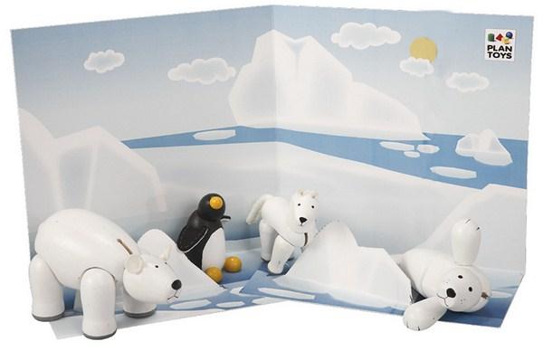 au delà de l'univers des animaux apprivoisés de la ferme ou du club hippique voici d'autres animaux polaires articulés chez Plantoys