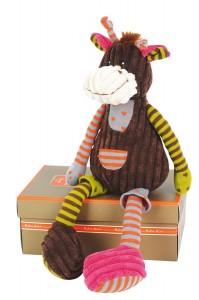 Dans la Collection bric à brac velours d'Histoire d'Ours une très originale Girafe aux longues pattes et aux motifs gais et colorés. Nouveau ! Dimensions : 30 cm. Livré dans sa boîte cadeau assortie.
