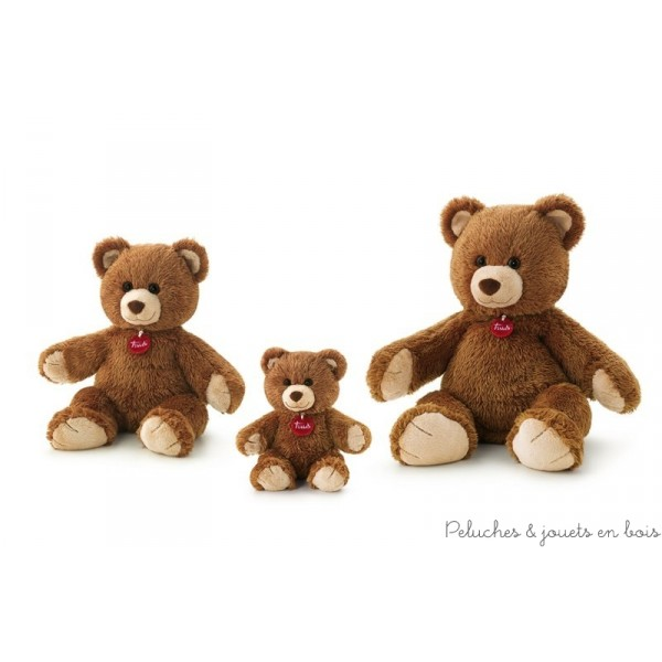 Ce ravisant ours brun Marlon est si doux que votre enfant adorera le câliner. Entièrement cousu à la main il est la garantie d'offrir une peluche de qualité.