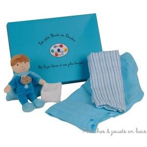 Ce coffret 2 langes & Ptit Super Héros (poupée garçon) fait partie de la collection Les ptit Bouts de Doudou de la marque Doudou & Compagnie, à partir de 0 mois+