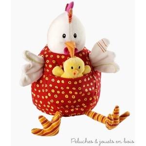 Ophélie et ses poussins de la marque Lilliputiens contient 6 éléments une poule, une balle et quatre poussins. A partir de 6 mois+