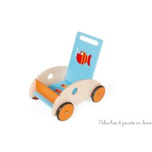 Ce chariot de marche poisson de la marque Scratch accompagnera les premiers pas de bébé en toute sécurité. A partir de 1 an+
