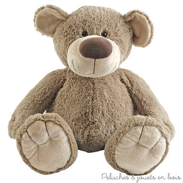 L'ours Bello de 100 cm de la marque Happy horse permet de satisfaire les désirs de tous, du cadeau de naissance au coup de coeur, il décorera la chambre des plus petits et séduira les plus grands. (peluche géante 1ére sur la photo des 5 ours)