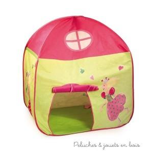Une maison de princesse en tissus rose fuschia et vert anis. Taille 105 x 80 x 125 cm