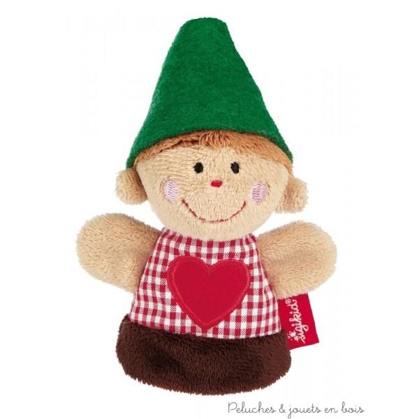 Une marionnette de doigt qui représente un petit forestier ou un petit chasseur pour raconter d'incroyables histoires comme Blanche-Neige et les 7 nains par exemple, encourage la créativité et le développement du langage.