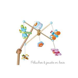 """Ce Mobile musical thème """"bucolique"""" de la marque de Déco Le Coin des enfants, est une idée de cadeau de naissance pour décorer la chambre de bébé"""
