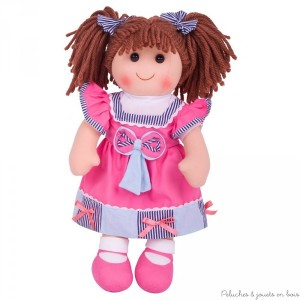 Grande poupée de chiffon de 38 cm Emma est une poupée brune avec des noeuds dans les cheveux de la marque Bigjigs Toys. A partir de 1 an+