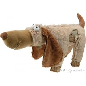Zarbikel le teckel de la marque Les Petites Marie 35 cm, livré dans une très jolie cagette en bois pour un cadeau apprécié. A partir de 0m+