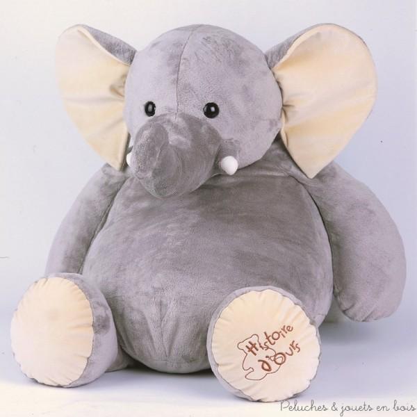 Un grand éléphant en peluche de 60 cm tout doux et très câlin de la marque Histoire d'Ours pour faire craquer petits et grands. A partir de 0m+