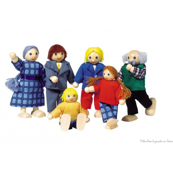 Une famille citadine de 6 personnages articulés,papa, maman, 2 enfants et les grand-parents. Convient à toutes les maisons de poupées Goki. Taille des personnages de 9 à 11 cm. Normes CE