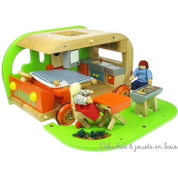 la maison de poup e en bois 5 quant la maison de poup e se fait toute petite pour partir sur. Black Bedroom Furniture Sets. Home Design Ideas