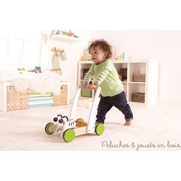 le chariot de marche en bois bien plus qu 39 une aide pour. Black Bedroom Furniture Sets. Home Design Ideas