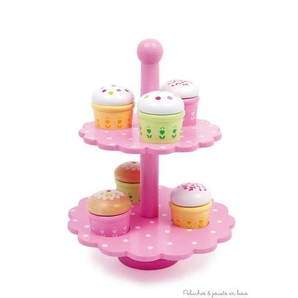 Un ravissant présentoir à cupcake en bois verni coloré avec 6 petit gâteaux à découper grâce à un système d'attaches par scratch. A partir de 3ans+