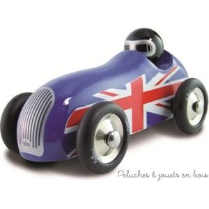 """Une voiture d'exception fabriquée en France en hêtre massif laqué bleue avec l'Union Jack. """"petite voiture en bois"""" signée Vilac. A partir de 2 ans+"""