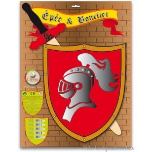 Un bouclier en bois heaume et son épée assortie de la marque Ulysse couleurs d'enfance avec un design francais. A partir de 3 ans+