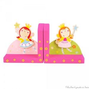 Deux serre livres en bois peint de la marque bigjigs sur le thème Fée. Pour la décoration de chambre d'enfant.