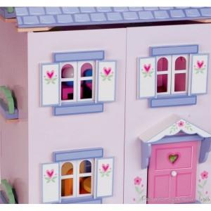 Maisons de poup es en bois de charme le toy van une for Fenetre qui s ouvre vers l exterieur