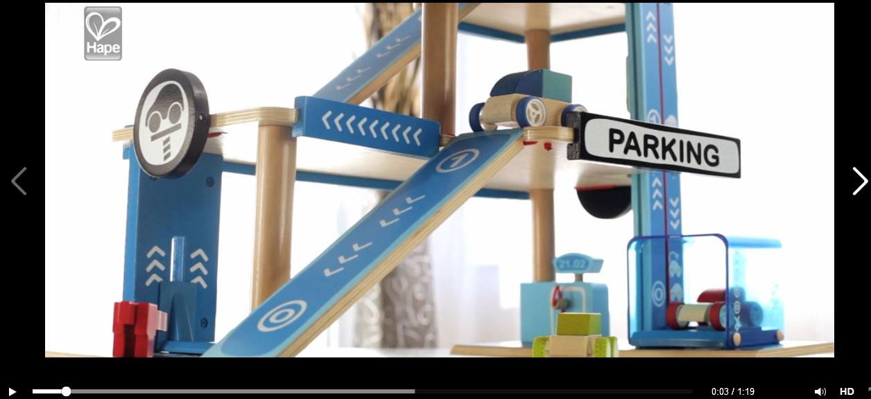 Garage En Bois Hape : Garage en bois jouet ou fus?e en bois g?ante pour faire un cadeau de