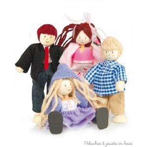 Le Toy Van, famille de 4 poupées habillées chic