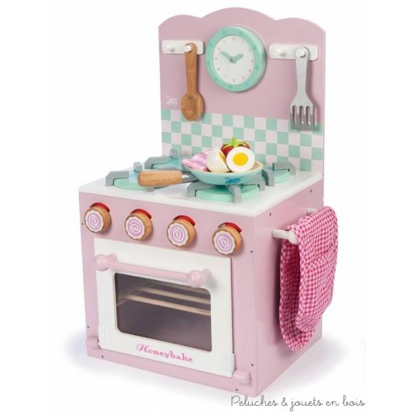 cuisine en bois jouet et dinette en bois le jouet d 39 imitation par excellence qui favorise la. Black Bedroom Furniture Sets. Home Design Ideas