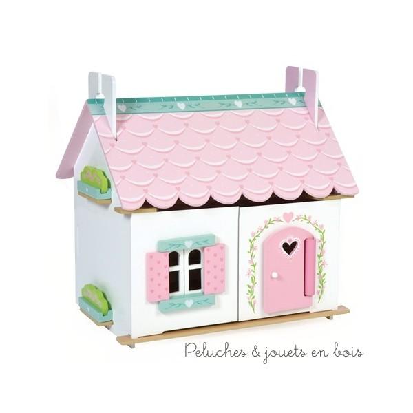 Dans la collection Daisylane de la marque Le Toy Van, la petite maison de Lilly, une maison de poupée de 2 niveaux, entièrement meublée avec de belles finitions et un toit festonné. A partir de 3 ans+