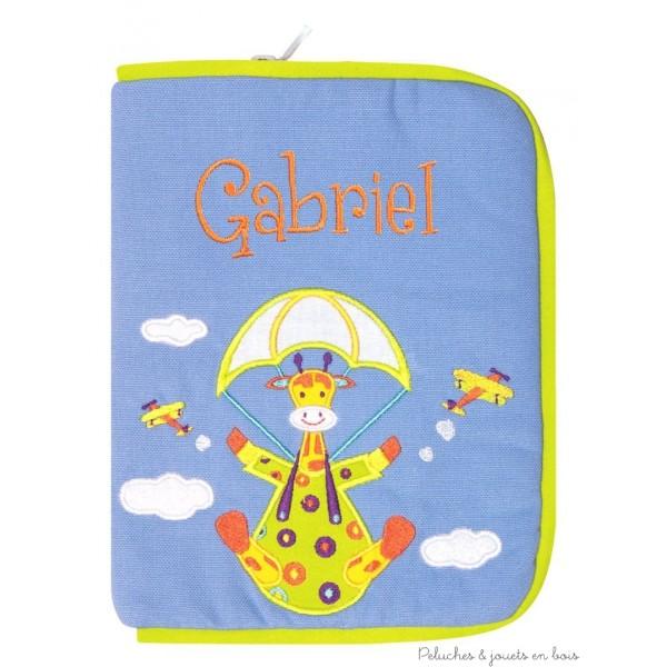 Protège carnet de santé Girafon aux nuages Prénom brodé personnalisable