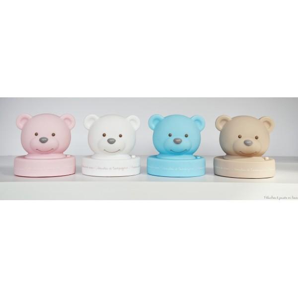 Veilleuse ourson de couleur taupe de la marque Doudou & Compagnie . Dés la naissance pour décorer la chambre de bébé.