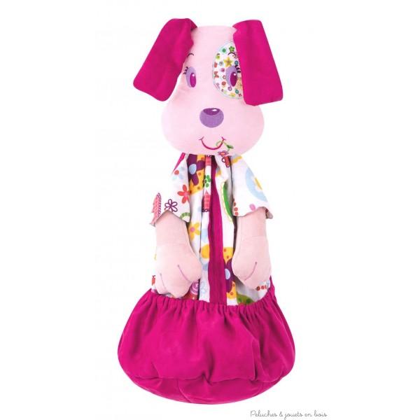 Un grand range-pyjama à l'éffigie de la coquette chienne Janis de la marque L'Oiseau Bateau pour jouer à cache-cache avec son pyjama et décorer la chambre de bébé. Les enfants vont adorer y ranger leur pyjama ou leurs petits trésors. Ouverture sur le devant avec fermeture éclair et un très grand vide-poche permettant aussi de ranger des couches. S'accroche au lit à barreaux ou au mur. Tous âges.