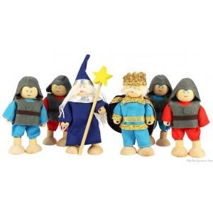 Un ensemble de 6 poupées articulées en bois de la marque Bigjigs comprenant 2 chevaliers bleus, 2 chevaliers rouges, 1 roi et un magicien. Pour vivre de grandes aventures à l'époque des chevaliers et des chateaux forts. A partir de 3 ans+