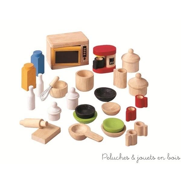 Tous les accessoires pour la cuisine des maisons de poupées adaptés à la taille des familles de poupée : vaisselles, ustensiles, four et cafetière. Peintures utilisées garanties atoxiques. Dimensions de la boite : 18.8 x 5.7 x 9.3 cm. Normes CE