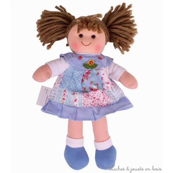 Une adorable poupée de chiffon Sarah de la marque Bigjigs. A partir de 1 an +