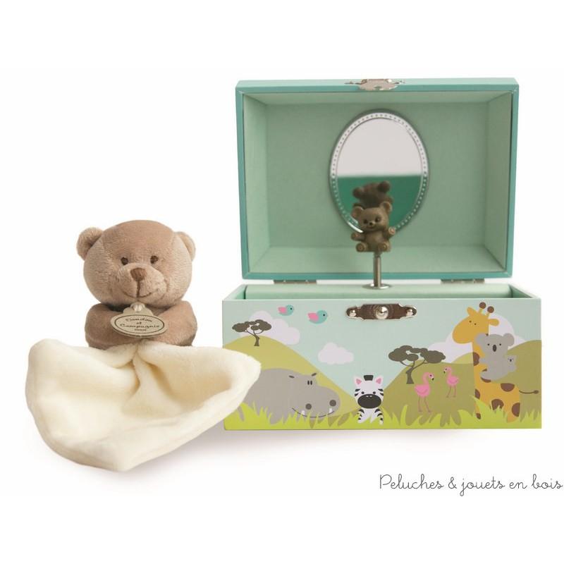 Un ensemble coffret boîte à musique Savane et un doudou ours mouchoir de la marque Doudou et Compagnie. A partir de 0mois+