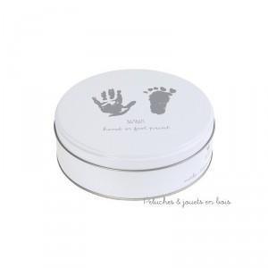 Une boite décorative servant à créer et à conserver un souvenir inoubliable des petites mains ou des petons de bébé de la marque Bambam. Attention cette boite n'est pas un jouet mais un objet de décoration à partir de 0m+