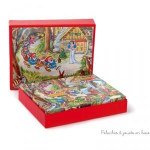 Un puzzle cubes en bois de 20 cubes thème blanche neige de la marque Egmont toys. A partir de 3 ans+