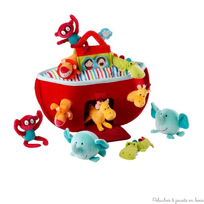Cette Arche de Noé très colorée et douce est pleine d'activités. Facile à transporter elle abrite 10 petits animaux. Un ensemble signé Lilliputiens. A partir de 0 mois+