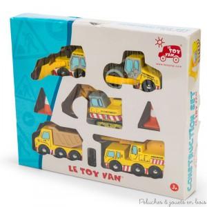 Un ensemble de construction en bois peint de la marque Le Toy Van. A partir de 3 ans+